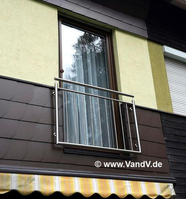 http://www.vandv.de/cpg148/albums/userpics/10001/normal_Balkon-Franzoesisch_22.jpg