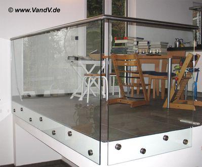 v v distribution edelstahl nach ma edelstahl balkon. Black Bedroom Furniture Sets. Home Design Ideas