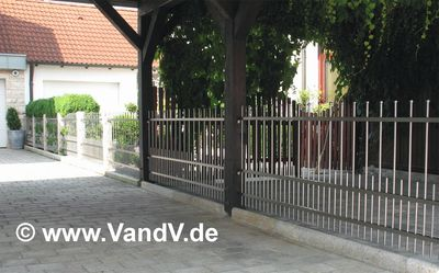 http://www.vandv.de/cpg148/albums/userpics/10001/normal_Edelstahlzaun_75.jpg