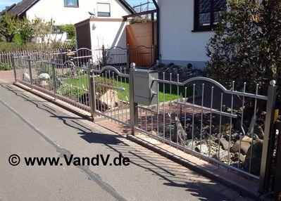 http://www.vandv.de/cpg148/albums/userpics/10001/normal_Edelstahlzaun_84.jpg